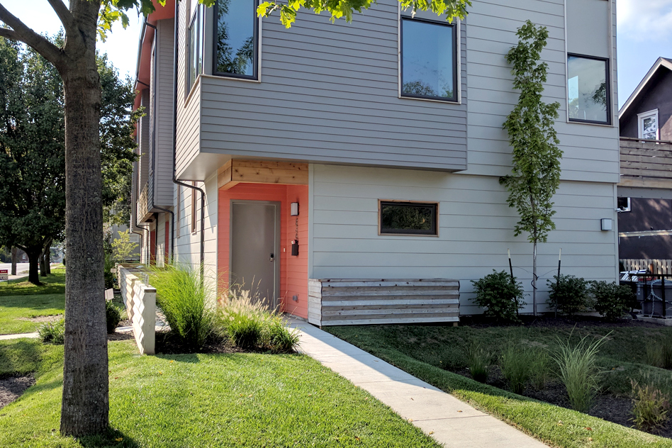 27 Campbell 836 – 3 Bedroom Townhouse